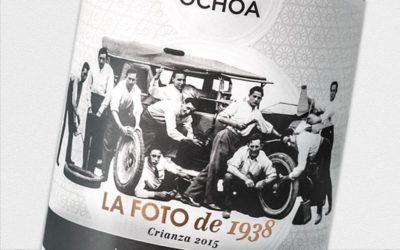 El vino 8A La Foto de 1938 de Bodegas Ochoa estrena palmarés con un Bacchus de Plata